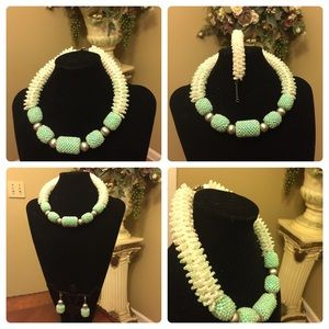 Classic handcrafted jewelry set